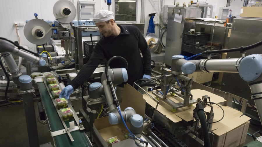 How cobots provide around-the-clock food production | 2018