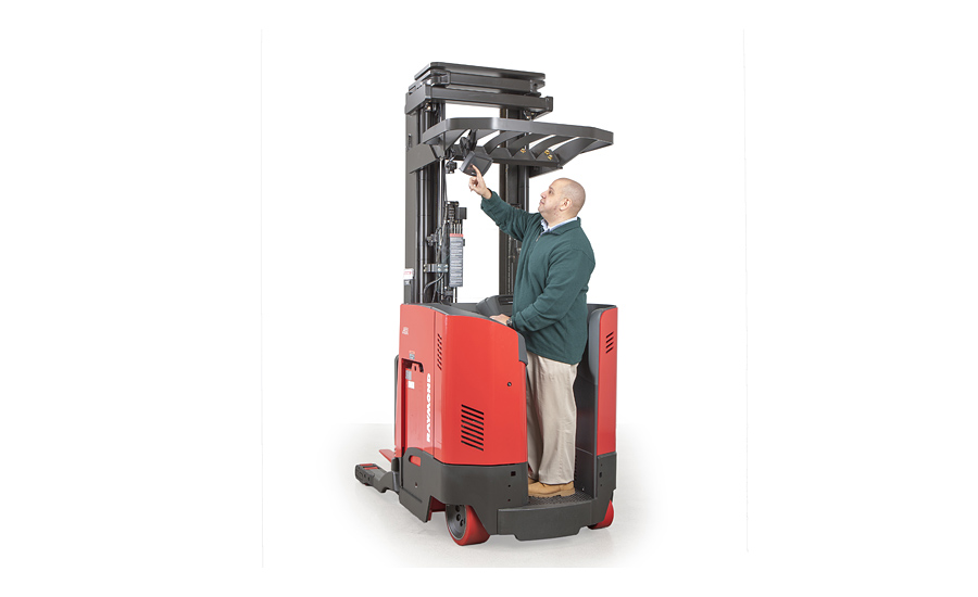 Raymond-iWAREHOUSE-reach-truck